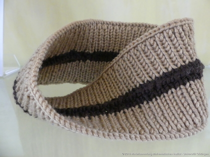 Knitted Möbius strip